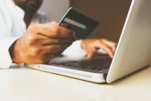 Read more about the article Does social media promote shopping addiction?