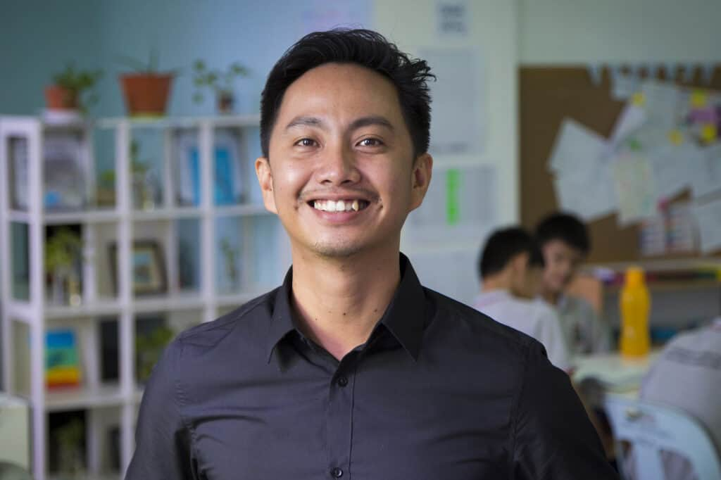 Fadlin Linsai of Dignity, who is also the project coordinator for Community Classroom